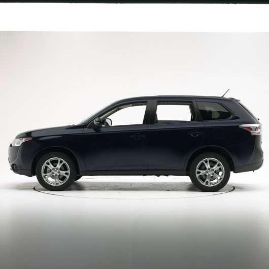 2014 Mitsubishi Outlander отримав вищу оцінку в краш-тестах
