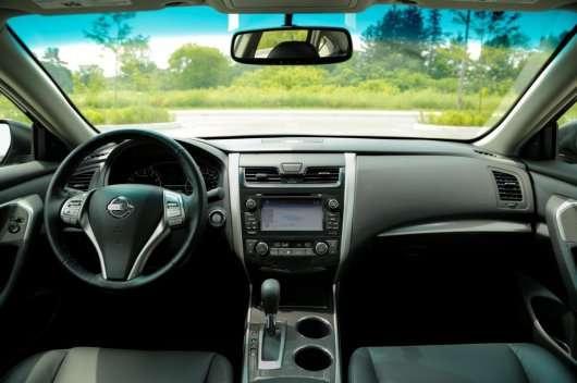Седани 2013 і 2014 роки | Тестові порівняння | 2013 Nissan Altima