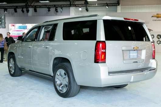 2015 Chevrolet Suburban: Нове покоління