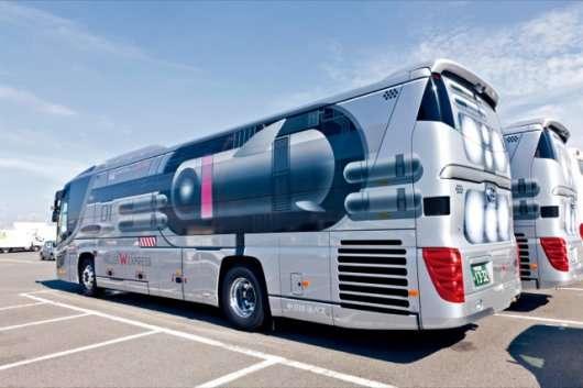 Японський автобус в стилі космічного корабля